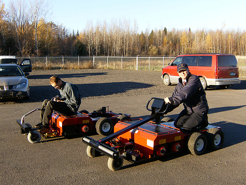 Jacob and Lucien racing with prototypes in 2007 at first production site